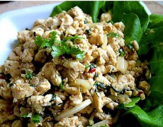 14. Chicken/Beef salad (Larb)